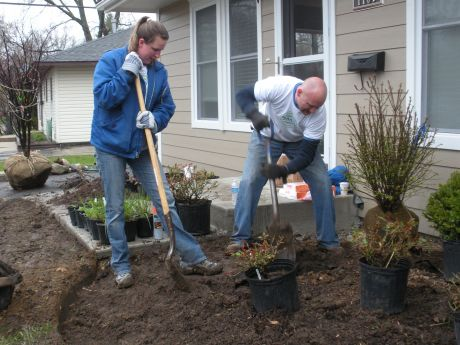 Two Habitat For Humanity Homes Receive The Gift Of Green Elgin News Photos And Events