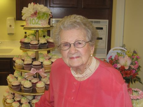 Bloomingdale Resident Celebrates 102nd Birthday Glen Ellyn News Photos And Events
