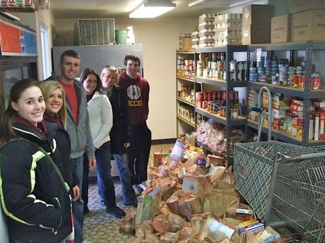 Nhs hosts food drive homer glen news photos and events for Fish food pantry