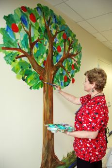 Eric carle murals delight two year olds at lake forest for Eric carle mural