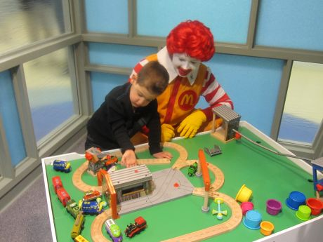 Families get relaxation spot at edward hospital for Ronald mcdonald family room