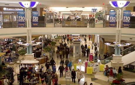 People Walk Through Orland Square Mall Shortly After 4 A M Today Brent Lewis