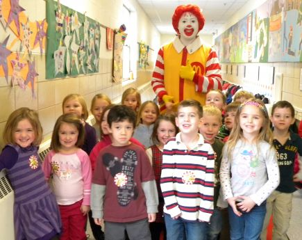 Ronald mcdonald visited grand ave preschool western springs news the children of grand ave preschool with ronald mcdonald voltagebd Gallery