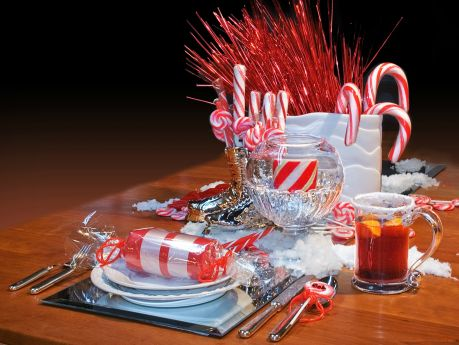Christmas Dinner Tablescapes For Christmas Dinner a Red